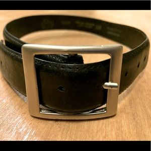 Boys Italian Leather belt Approx 27 inchs small sz